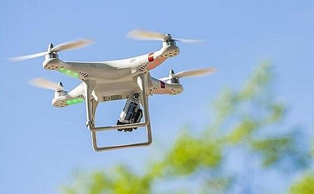 TPHCM: Cảnh báo giáo viên, HS, SV vềphương tiện bay không người lái - 1