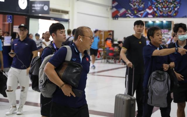 U23 Việt Nam chạm trán U23 Triều Tiên ở sân bay về Bangkok - 3