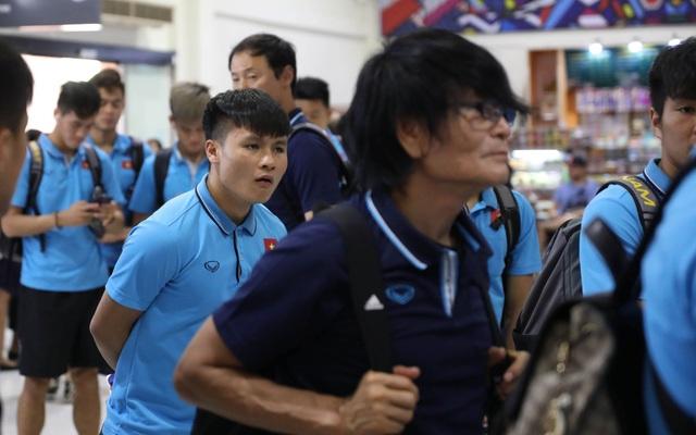 U23 Việt Nam chạm trán U23 Triều Tiên ở sân bay về Bangkok - 13
