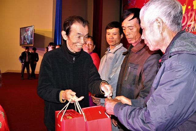 Ấm tình Xuân đêm giao lưu ủng hộ dân nghèo Hà Tĩnh đón Tết - 18