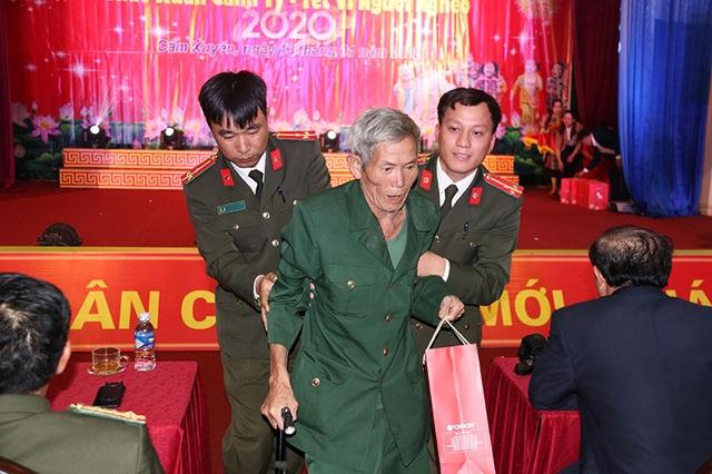 Ấm tình Xuân đêm giao lưu ủng hộ dân nghèo Hà Tĩnh đón Tết - 14