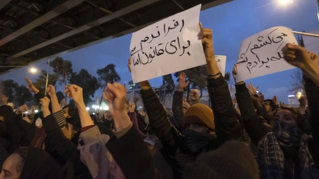 """Căng thẳng Mỹ - Iran: Ba """"bước hụt"""" khiến Iran lâm thế khó - 2"""