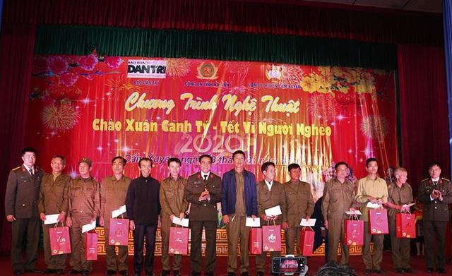Ấm tình Xuân đêm giao lưu ủng hộ dân nghèo Hà Tĩnh đón Tết - 22