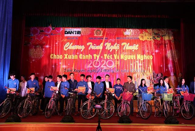 Ấm tình Xuân đêm giao lưu ủng hộ dân nghèo Hà Tĩnh đón Tết - 23