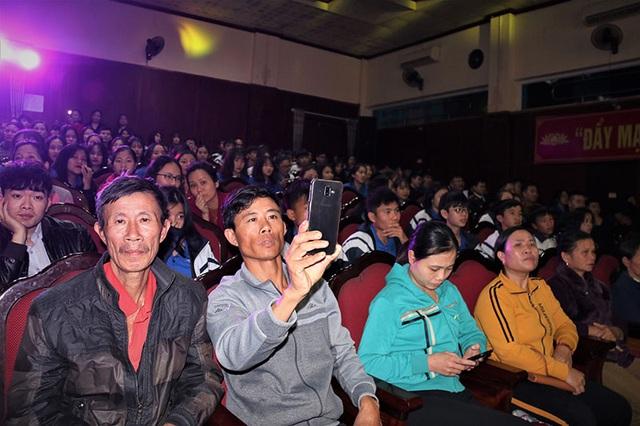 Ấm tình Xuân đêm giao lưu ủng hộ dân nghèo Hà Tĩnh đón Tết - 2