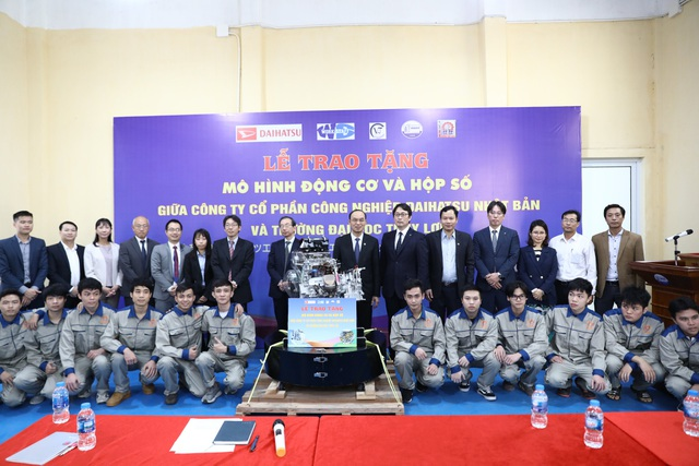Nhật bản trao tặng mô hình động cơ và hộp số ô tô cho Trường Đại học Thủy lợi - 3