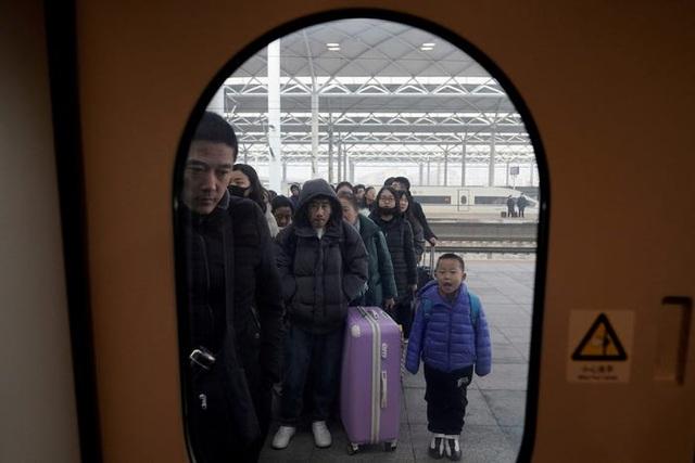 Trung Quốc bắt đầu cuộc di dân lớn nhất hành tinh với 3 tỷ chuyến đi - 11