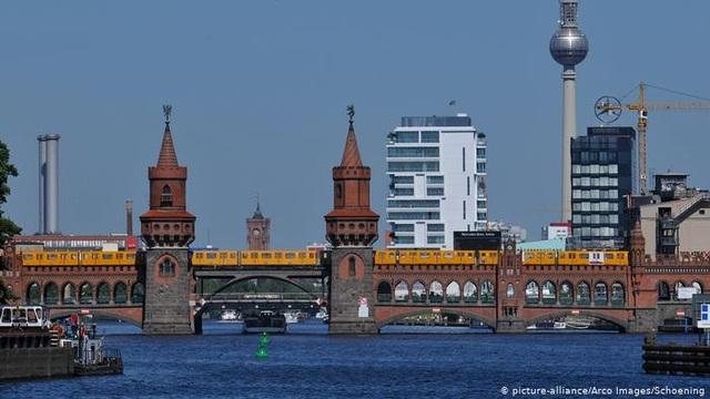 Những cây cầu đẹp nhất Châu Âu - 6
