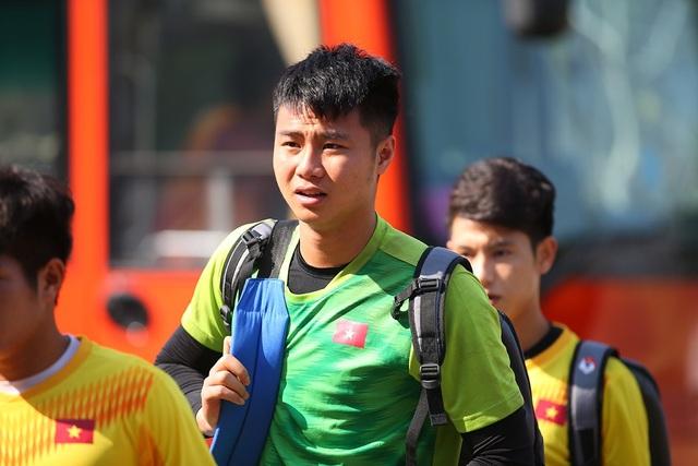 Cầu thủ U23 Việt Nam lộ vẻ mặt buồn bã trước giờ rời Buriram - 3