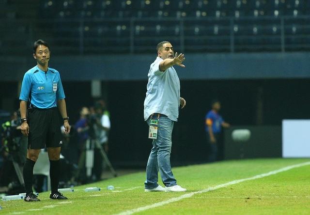 Không thắng được U23 Việt Nam, cầu thủ U23 Jordan đổ gục xuống sân - 8