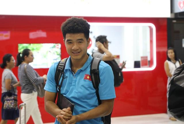 U23 Việt Nam chạm trán U23 Triều Tiên ở sân bay về Bangkok - 9
