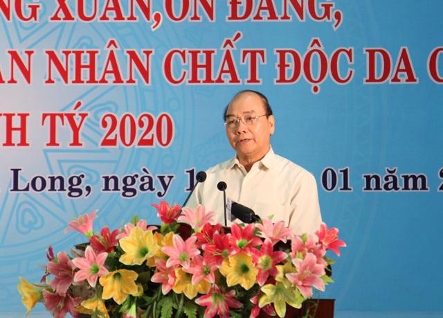 Thủ tướng Chính phủ Nguyễn Xuân Phúc tặng quà Tết tại Vĩnh Long - 1