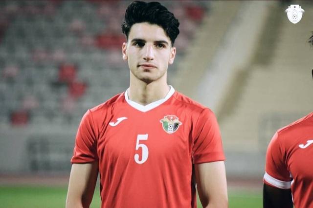 Cầu thủ U23 Jordan được dân mạng chú ý vì gương mặt điển trai - 2