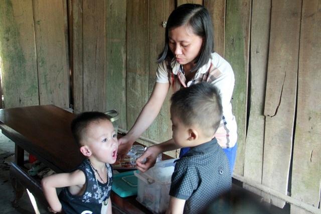 Hai bé trai mắc bệnh hiểm tại Hà Tĩnh được bạn đọc giúp đỡ hơn 216 triệu đồng - 2