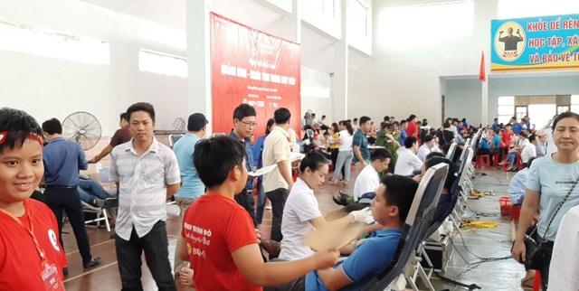 Vận động người dân 3 tỉnh hiến máu tăng thể tích lên 350 và 450ml - 1