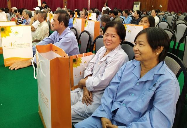 100 người nhận được quà Tết bất ngờ từ Phó Chủ tịch nước - 3