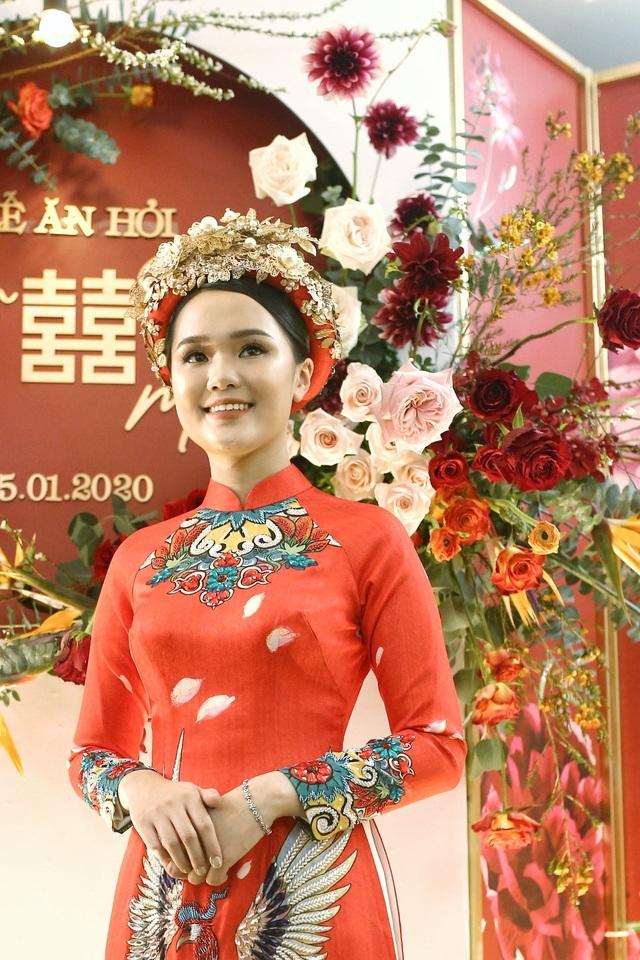 Cô dâu hot girl của Duy Mạnh rạng ngời trong sắc đỏ ngày ăn hỏi - 2