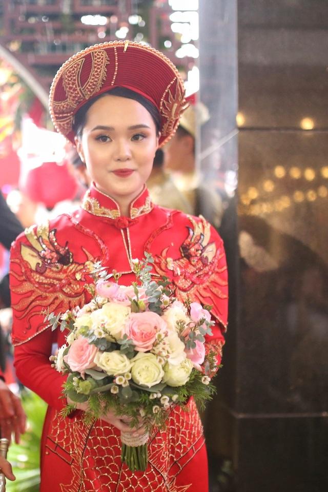 Cô dâu hot girl của Duy Mạnh rạng ngời trong sắc đỏ ngày ăn hỏi - 3
