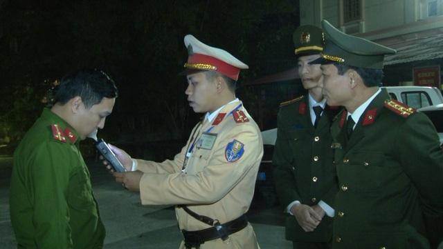 Đoàn kiểm tra nồng độ cồn đặc biệt của Công an Ninh Bình - 3