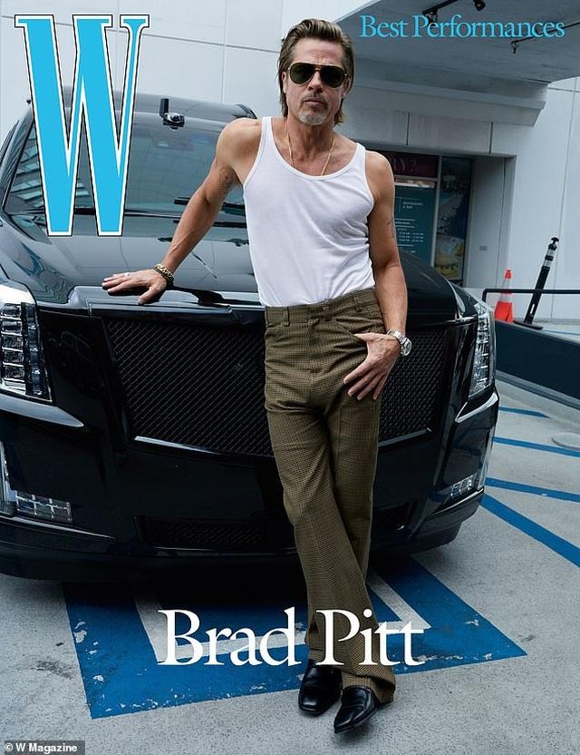 Brad Pitt có nụ hôn đầu năm... lớp 4 - 1