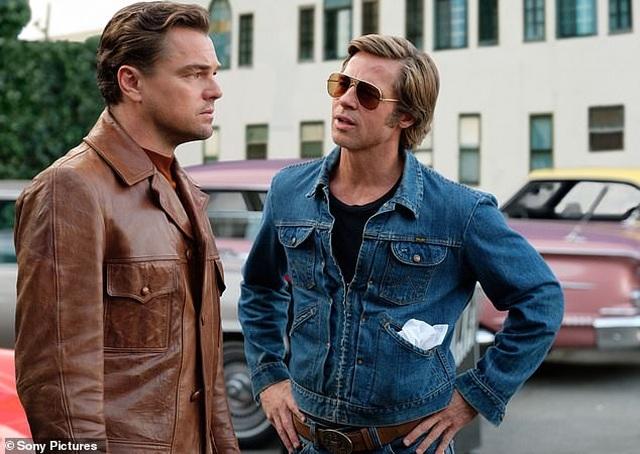 Brad Pitt có nụ hôn đầu năm... lớp 4 - 2
