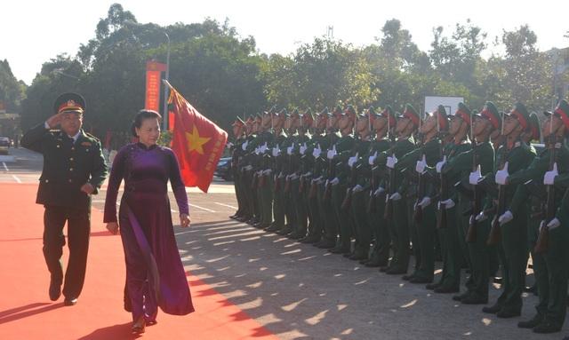 Chủ tịch Quốc hội chúc Tết Bộ chỉ huy Quân sự tỉnh Đắk Lắk - 1