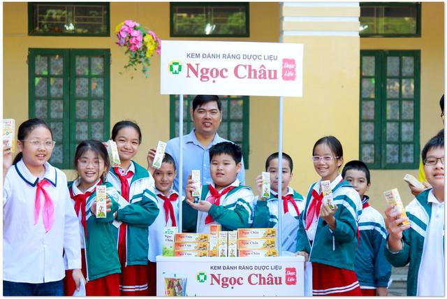 Nhãn hàng Ngọc Châu liên tục nâng cao kiến thức, hỗ trợ mô hình Nha học đường tại các điểm trường - 2