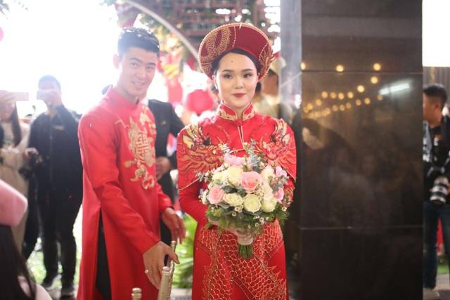 Cô dâu hot girl của Duy Mạnh rạng ngời trong sắc đỏ ngày ăn hỏi - 11