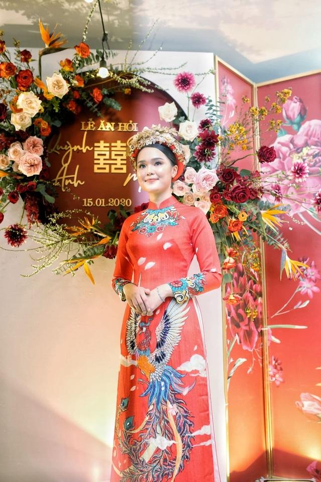 Cô dâu hot girl của Duy Mạnh rạng ngời trong sắc đỏ ngày ăn hỏi - 1