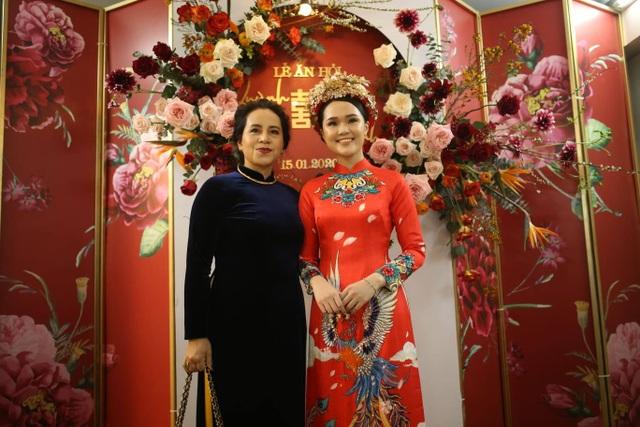 Cô dâu hot girl của Duy Mạnh rạng ngời trong sắc đỏ ngày ăn hỏi - 7