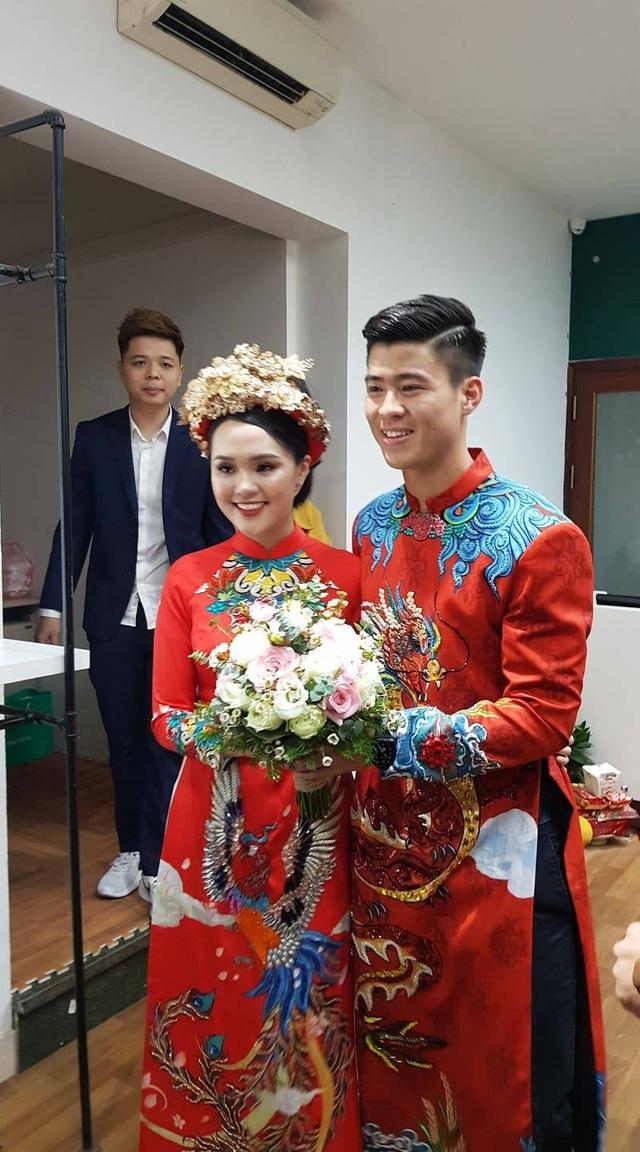 Cô dâu hot girl của Duy Mạnh rạng ngời trong sắc đỏ ngày ăn hỏi - 10