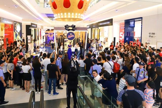 Lễ hội quà tặng Hoàng Gia thổi hồn cho văn hóa tri ân của người Việt - 3