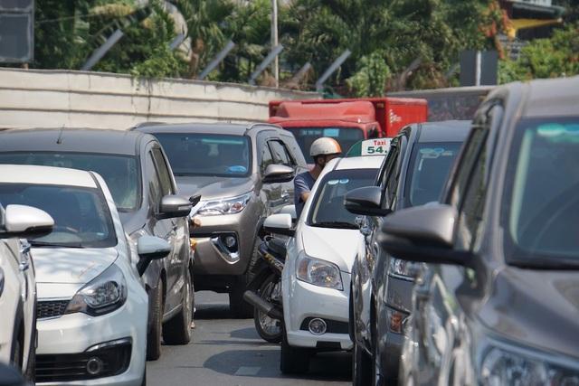 Gần 4 triệu lượt khách qua Tân Sơn Nhất dịp Tết, giao thông bắt đầu căng thẳng - 3
