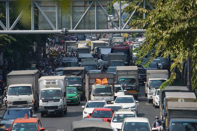 Gần 4 triệu lượt khách qua Tân Sơn Nhất dịp Tết, giao thông bắt đầu căng thẳng - 7