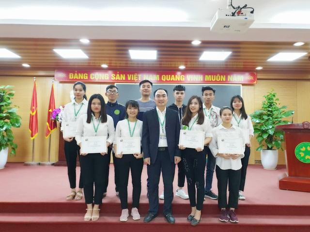 20 sinh viên tiêu biểu tiếp tục nhận học bổng Nguyễn Trường Tộ - 4