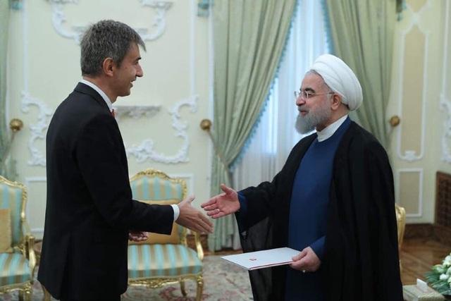 """""""Người đưa tin"""" bí mật giúp Mỹ - Iran hạ nhiệt căng thẳng - 1"""