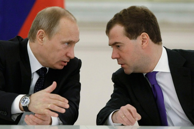 20 năm đồng hành của bộ đôi Putin - Medvedev - 2