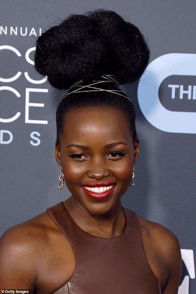 Bỗng nhiên nhiều sao nữ thích cột tóc gọn gàng - 5