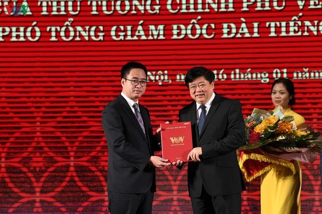 Trao quyết định của Thủ tướng bổ nhiệm 2 Phó Tổng Giám đốc VOV - 2