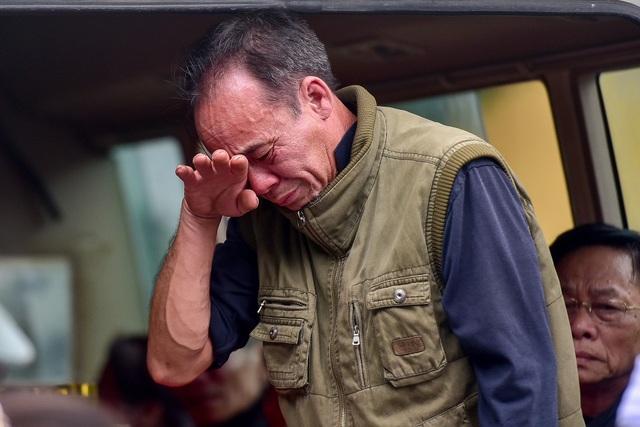 Thủ tướng viếng 3 liệt sĩ hy sinh ở Đồng Tâm - 4