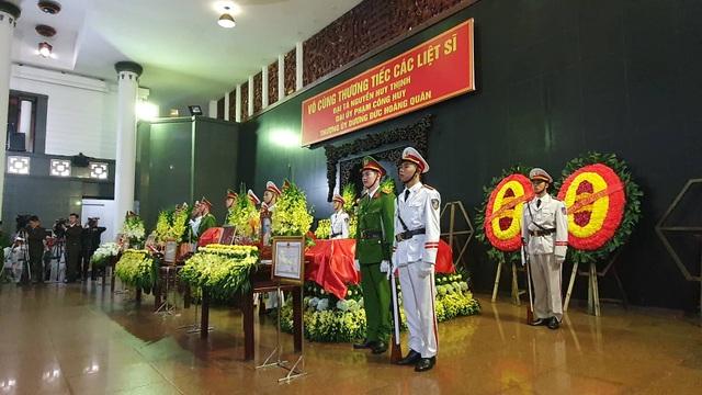 Thủ tướng viếng 3 liệt sĩ hy sinh ở Đồng Tâm - 40