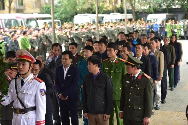Thủ tướng viếng 3 liệt sĩ hy sinh ở Đồng Tâm - 36