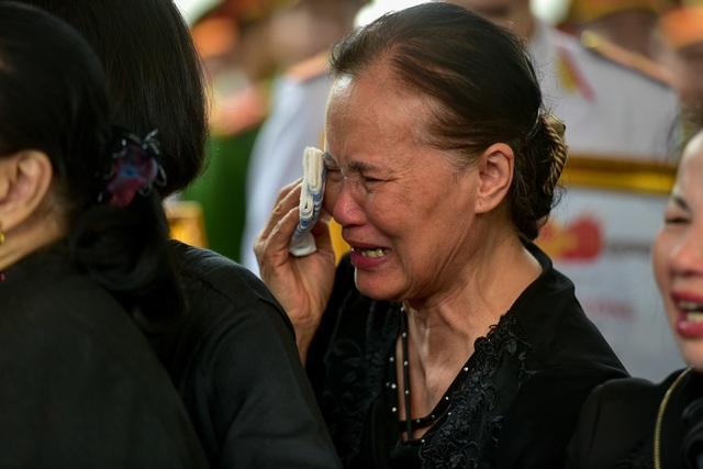 Thủ tướng viếng 3 liệt sĩ hy sinh ở Đồng Tâm - Ảnh minh hoạ 2