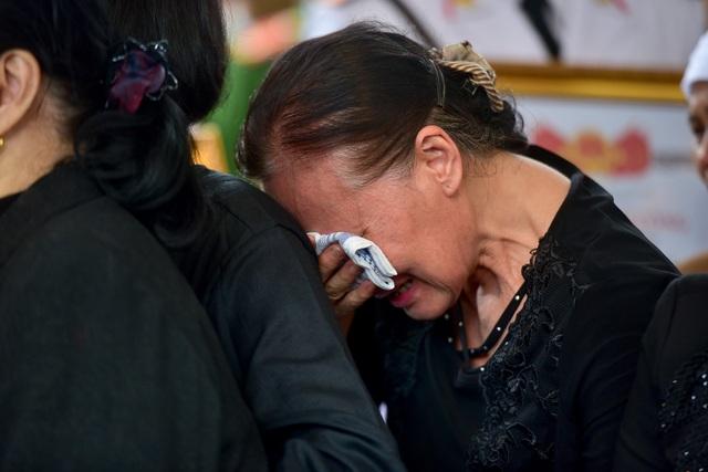 Thủ tướng viếng 3 liệt sĩ hy sinh ở Đồng Tâm - 5