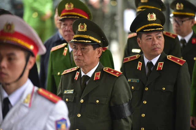 Thủ tướng viếng 3 liệt sĩ hy sinh ở Đồng Tâm - Ảnh minh hoạ 33