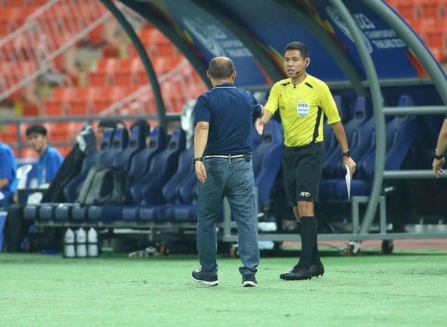 HLV Park Hang Seo lặng lẽ rời sân sau trận thua U23 Triều Tiên - 6