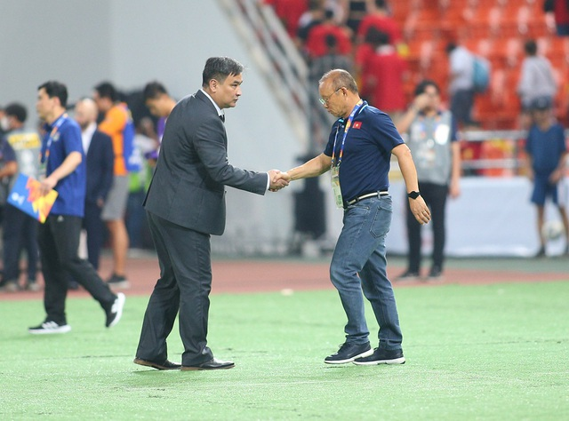HLV Park Hang Seo lặng lẽ rời sân sau trận thua U23 Triều Tiên - 8