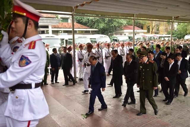 Thủ tướng viếng 3 liệt sĩ hy sinh ở Đồng Tâm - Ảnh minh hoạ 14
