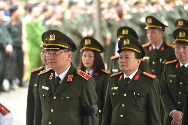 Thủ tướng viếng 3 liệt sĩ hy sinh ở Đồng Tâm - 35
