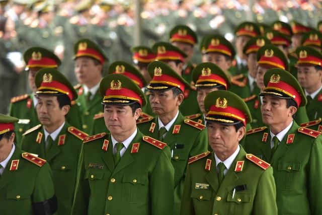 Thủ tướng viếng 3 liệt sĩ hy sinh ở Đồng Tâm - 34